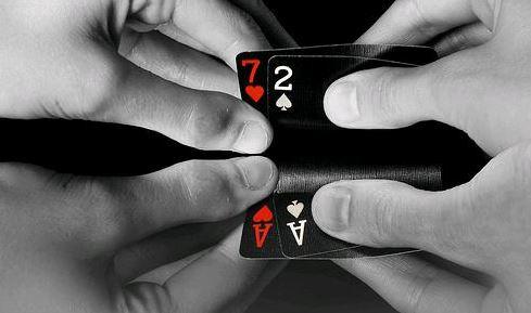 Poker online bluff spel